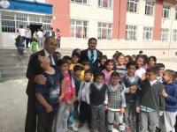 Sungurlu'da 200 öğrenciye giyecek yardımı