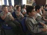 Çocukların okul sineması keyfi devam ediyor