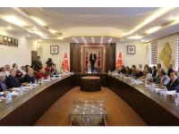 Isparta'daki Muhtarlar Toplantısında eğitim vurgusu