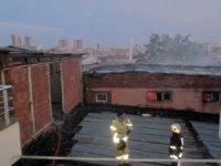 Kartal'da atık kağıtların toplandığı depoda korkutan yangın