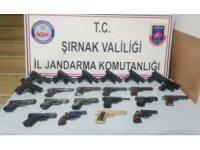 Silopi'de 22 adet tabanca ele geçirildi