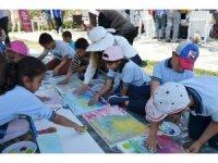 Milas'ta 50 öğrenci doğanın koynunda sanatla buluştu