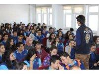 Polisten öğrencilere 'Mavi Balina' uyarısı