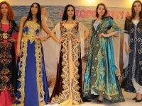 Yabancı mankenler yöresel kıyafetleri sevdi