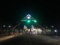 Bursalı bisikletçiler iftar sonrası Uludağ'a tırmandı