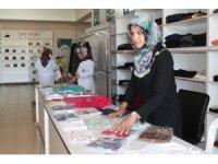 """Market gibi """"Hayır Çarşısı"""" Ramazan'da da yüzleri güldürüyor"""