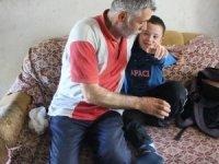 Çocuklarına bakmakta zorlanan baba cezaevindeki eşi için ev hapsi istedi
