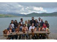 Van Gölü sahilinde kuaför eğitimi