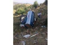 Kula'da traktör devrildi: 1 ölü, 1 yaralı