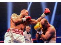 Trabzon'da Türk boksörden 3 altın kemer