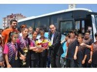 Selendili öğrenciler Badminton'da Türkiye Şampiyonu oldu