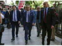 CHP Sözcüsü Bülent Tezcan ve beraberindeki heyet milletvekili aday listelerini Yüksek Seçim Kurulu'na (YSK) teslim etti.