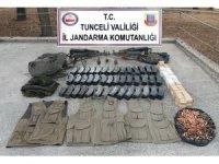 Tunceli'de toprağa gömülü cephanelik ele geçirildi