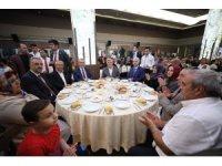 """Başkan Karaosmanoğlu: """"Şehitlerimizin ruhunu şad etmek için çalışıyoruz"""""""