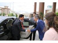 Japonya Büyükelçisi Akio Miyajima, Rektör Bağlı'yı ziyaret etti
