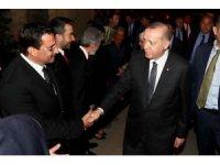 Cumhurbaşkanı Erdoğan ve eşi iftarda Bağlum'da bir aileye konuk oldu