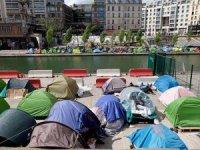 Paris'te sığınmacı kamplarına tahliye emri