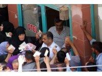Kilis'te 50 liralık yardım izdihamı
