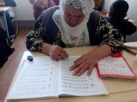 Mardin'de 7 bin 900 kişi okuma yazma öğreniyor
