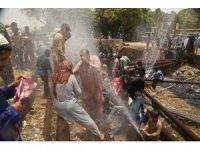 Pakistan'da sıcaktan ölenlerin sayısı 65'i geçti