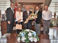 Vali Güvençer Manisa Tabip Odasının yeni yönetimini kabul etti