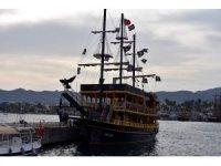 Marmaris'te teknenin dümeni kitlendi faciadan dönüldü