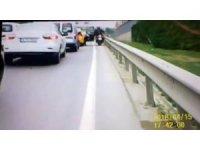 E-5'te taksinin kapısını açtı, motosikletli ölümden döndü