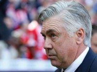 Napoli, teknik direktörlüğe Ancelotti'yi getirdi