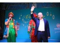 Başkan Çolakbayrakdar Yeni Mahalle halkıyla iftar açtı