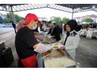 Yaşar, Yenimahallelileri iftarlarda ağırlıyor