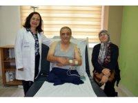 Fizik tedavi sonrasında hayata 'kollarıyla' yeniden tutundu