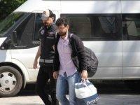 Yurt dışına kaçarken yakalanan FETÖ zanlısı adliyeye sevk edildi