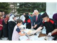 Kütahya Belediyesi'nin mahalle iftarları başladı