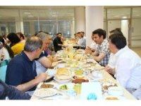 Üniversite personeli iftar yemeğinde buluştu
