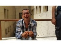 Uyuşturucudan 16 yıl hapis aldı, adliye kapısında gözyaşlarına boğuldu