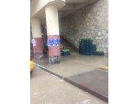 Bayburt'ta sağanak yağış etkili oldu