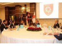 Ankara Valisi Topaca, bölge ve il müdürleriyle iftarda buluştu