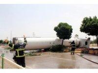 Kilis'te LPG yüklü tankerin soğutma çalışmaları sürüyor