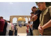 Ramazan'ın ikinci cuma namazında Mescid-i Aksa hınca hınç doldu