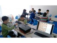 Küçükler satranç tahtasında hünerlerini sergileyecek