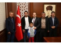 Milli futbolcu Hakan Çalhanoğlu memleketi Bayburt'ta