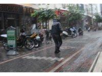 Sağanak yağmur etkili oldu