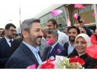TBMM Başkanvekili Aydın, Adıyaman'da güllerle karşılandı
