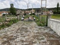 Kızılcahamam'da kilit taşı döşemeleri başlatıldı