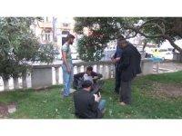 Gezi parkında çocuklarını dilendirerek içki içen şahıslar gözaltına alındı
