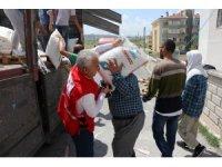 Kızılay Talas Şubesi'nden Doğu Türkistanlılara 4 tır yardım