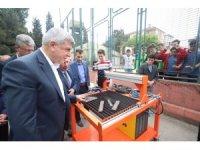 Başkan Karaosmanoğlu, öğrencilerin çalışmalarını inceledi