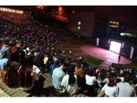 KTÜ'lü öğrenciler 'Açık Hava Sineması'nda buluştu
