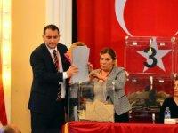 Galatasaray'da oy verme işlemi bitti, ilk sandık açıldı