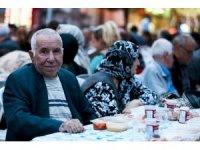 Sevgi Sofraları Maltepe'nin her köşesinde